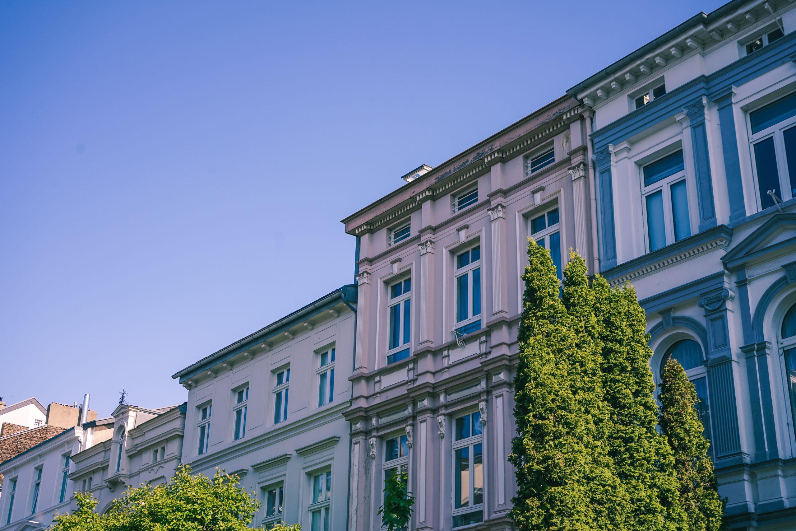 Immobilienverwaltung für Wohnungseigentümer: Definition, Vorteile und Kosten